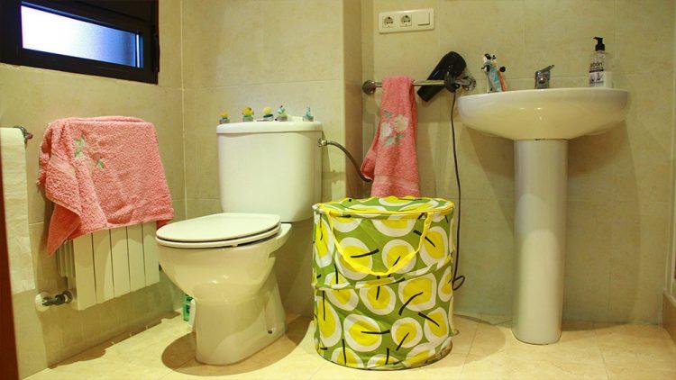 Residencia-Don-Bosco-Baño-Habitacion-mediana
